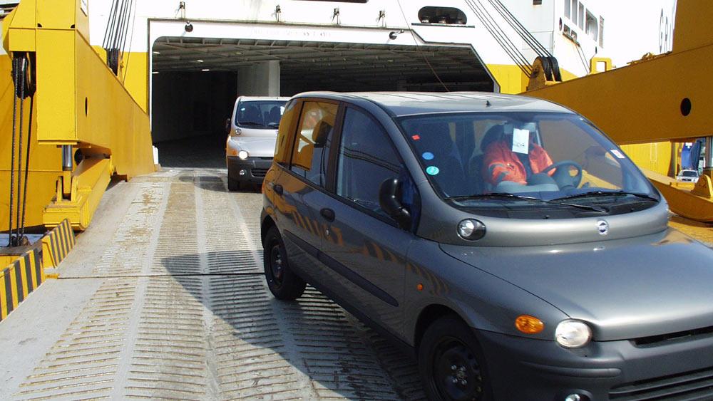 RoRo Shipping Cars